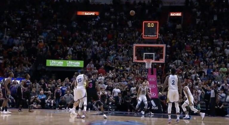 Video: NBA-ottelu sai satumaisen lopun – ratkaisu syntyi mielettömällä kolmen pisteen heitolla