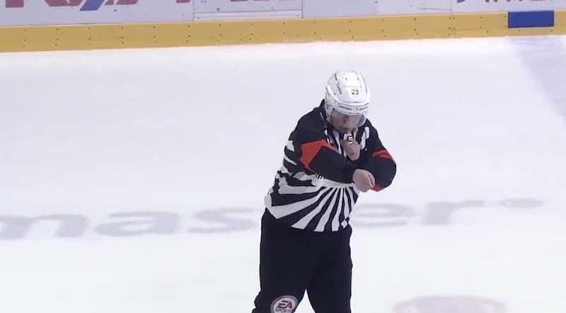 Timo Favorin sai 1000 ottelua täyteen – lopetti samalla huikean tuomariuransa
