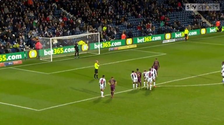 """Video: Swansea-pelurilta kauden koomisin rankkarimoka – """"En voi uskoa silmiäni!"""""""