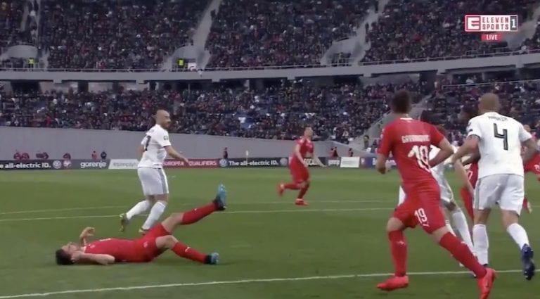 Video: Svetsin Fabian Schär loukkaantui vakavasti – muiden pelaajien reagointi esti hengenvaarallisen tilanteen
