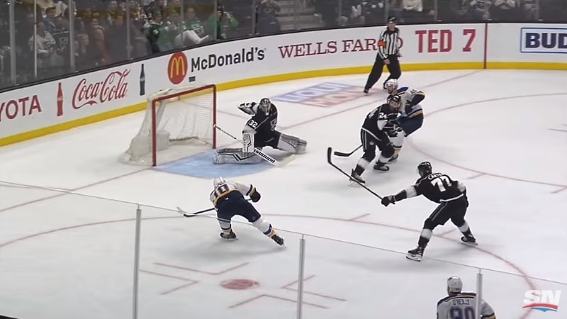 Video: LA Kingsin Jonathan Quick venyi fantastiseen torjuntaan