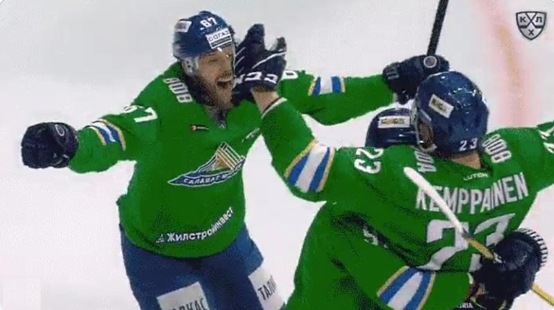 Video: Salavat Ufa sai jälleen suomalaissankarin – Joonas Kemppainen osui jatkoajalla