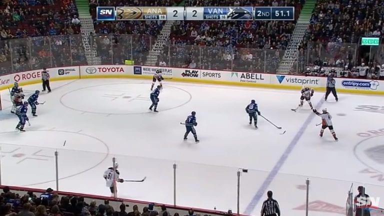 Video: NHL:ssä todella harvinainen tilanne – Markus Granlundin temppu toi Anaheimille rankkarin