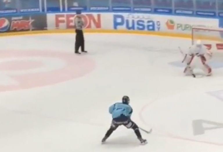 Video: 15-vuotias Pelicans-junnu lähetti käsittämättömällä rankkarimaalilla HIFK:n A-junnut kesälomille