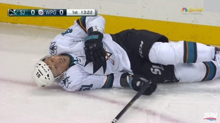 Video: San Jose Sharksin Radim Simek loukkaantui häijyn näköisesti