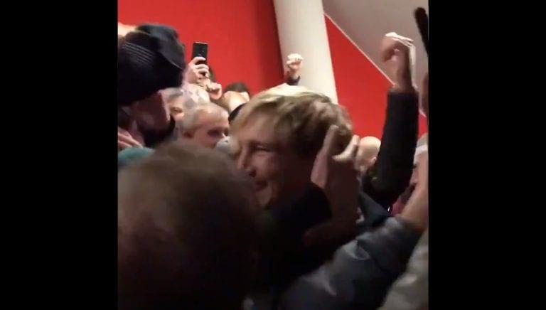 Video: Sami Hyypiä sai mahtavan vastaanoton Liverpool-faneilta