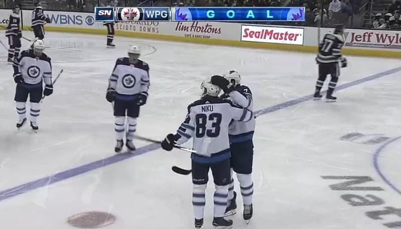 Video: Winnipeg Jetsin Sami Niku tempaisi NHL-kauden avausmaalinsa