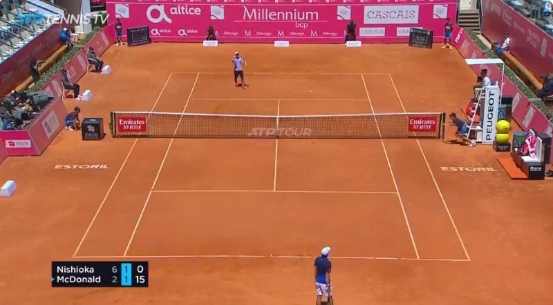 Video: Estorilin ATP-turnauksessa nähtiin naurettavan onnenkantamoinen stoppari