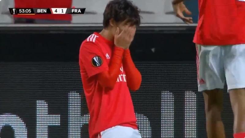 Video: Benfican João Félix, 19, hurjasteli hattutempun Eurooppa-liigassa