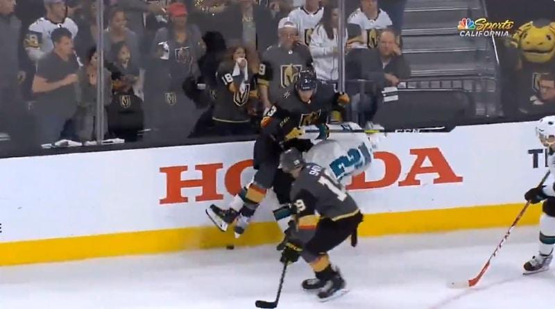 Video: Joonas Donskoi jäi hirmuniitin alle jatkoerässä Vegasia vastaan