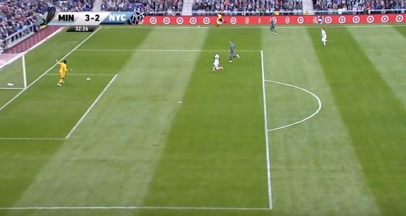 Video: Maalivahti teki koko kauden noloimman oman maalin MLS:ssä