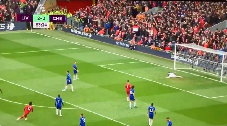 Video: Liverpoolin Mo Salah tykitti fantastisen osuman Chelseaa vastaan