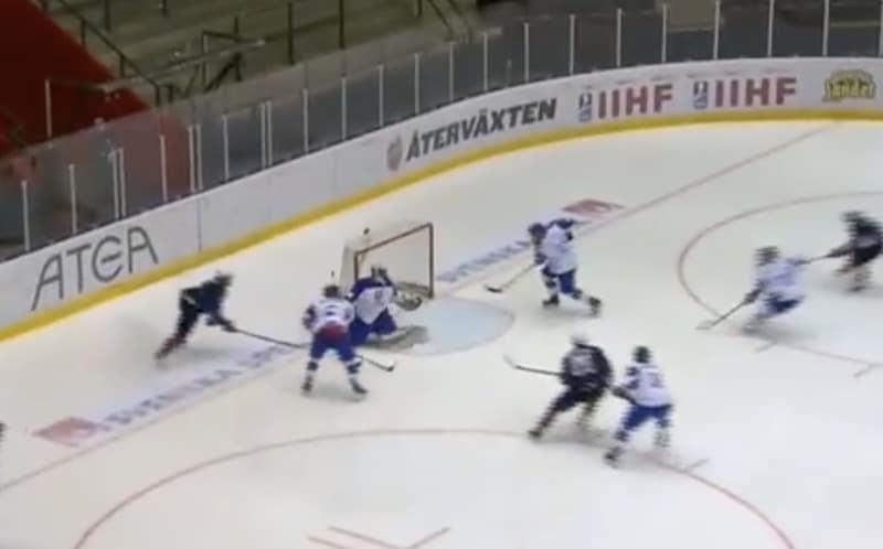 Video: Slovakialaispelaaja iski uskomattoman nolon oman maalin U18 MM-kisoissa