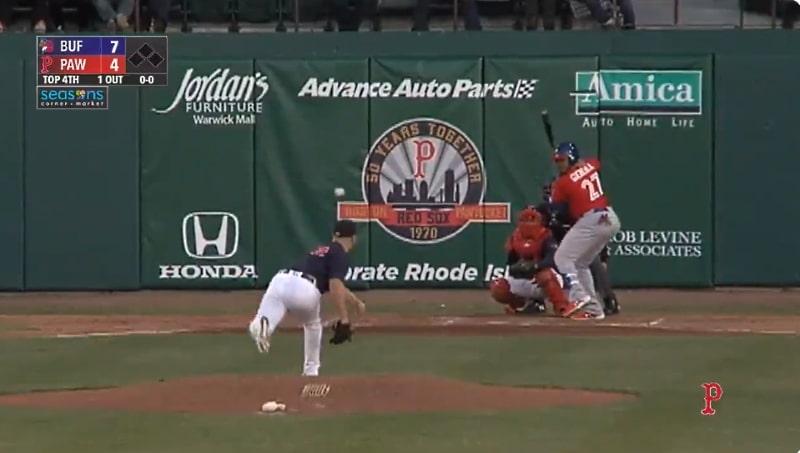Video: Buffalo Bisonsin peluri tykitti kunnarilyönnin stadionin parkkipaikalle - kirjaimellisesti