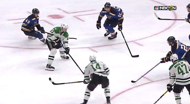 Video: Esa Lindell painoi NHL-uran ensimmäisen pudotuspelimaalin – sarja katkolla sunnuntaina
