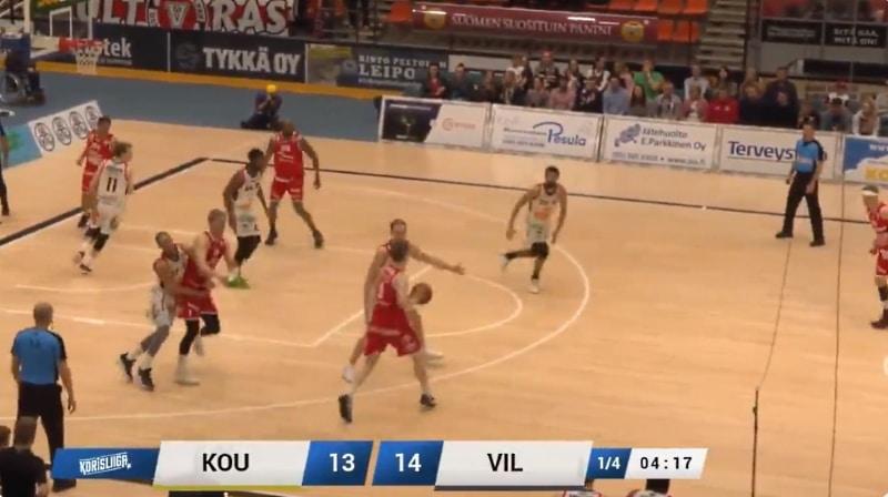 Video: Juho Nenonen sai kyynärpääiskustaan pelikiellon – joutuu huilaamaan välierien seiskapelin