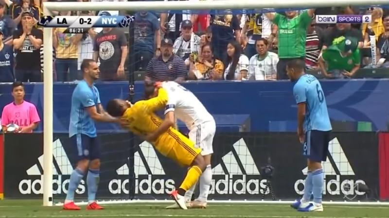 Video: Zlatan Ibrahimovic sai kahden matsin pelikiellon