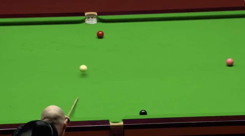 Video: Snookerin MM-kisojen välierässä nähtiin uskomattoman surkea lyönti