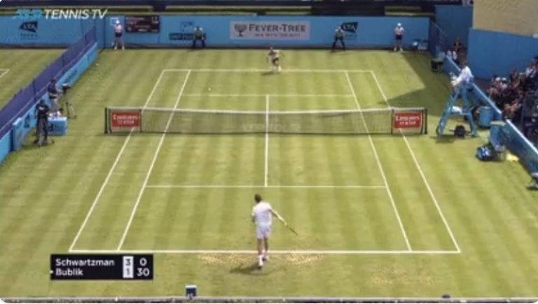 """Video: Lontoon ATP-turnauksessa nähtiin """"täydellinen stoppari"""""""