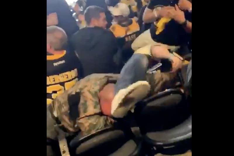 Hurja video Stanley Cupin finaalista – Bruins-fanit tappelivat rajusti katsomossa