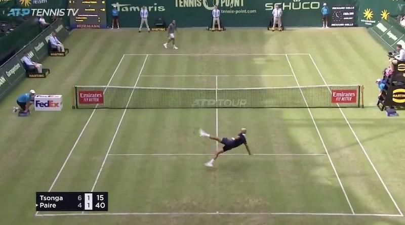 Video: Jo-Wilfried Tsonga ja Benoit Paire hassuttelivat urakalla – vaihtoivat tenniksen jalkapalloon kesken ottelun
