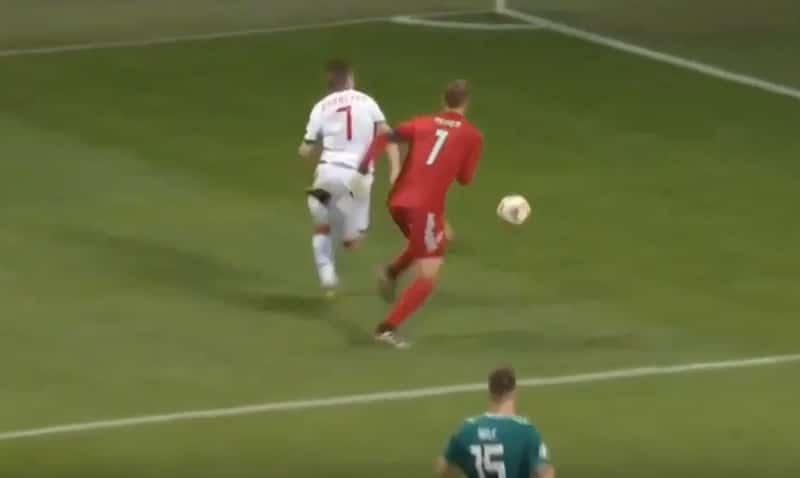 Video: Täydellistä dominointia! Manuel Neuer hassutteli vastustajan täysin kahville
