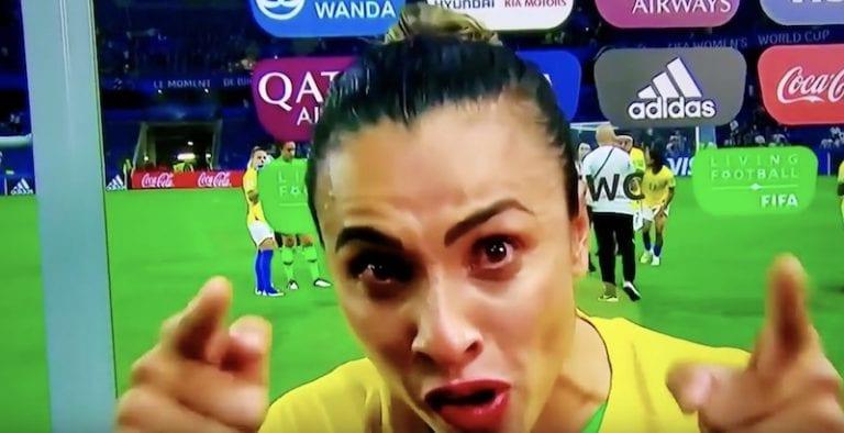 Video: Futislegenda Marta piti tunteikkaan ja painavaa asiaa täynnä olevan motivaatiopuheen