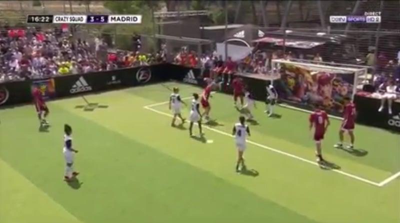 Video: Zinedine Zidane tehtaili maagisen osuman näytösottelussa