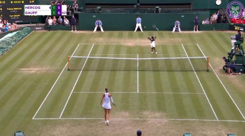 Video: 15-vuotias Coco Gauff tekemässä jättisensaatiota Wimbledonissa