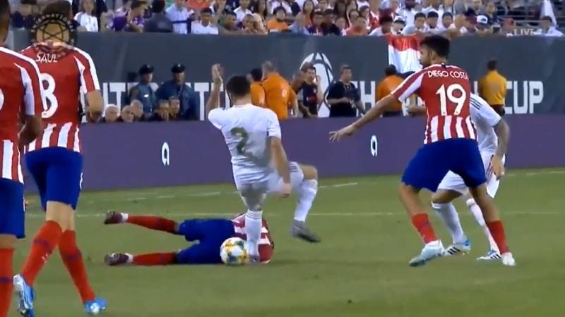 Video: Diego Costa iski neljä maalia Real Madridia vastaan - päätti ottelunsa suoraan punaiseen
