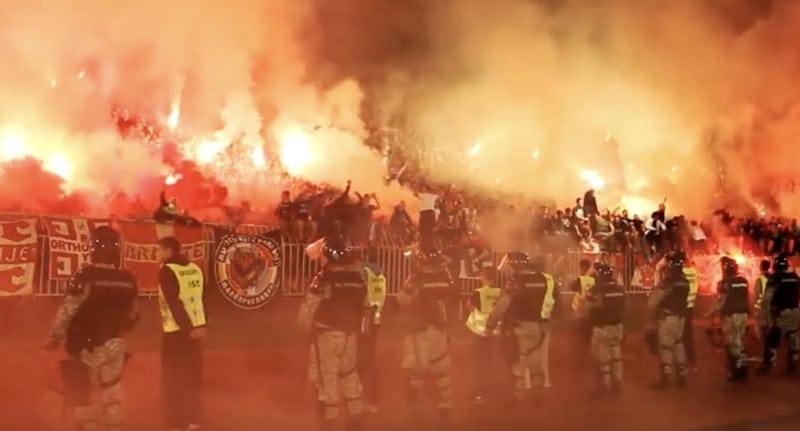Video: Tällainen painajainen HJK:ta odottaa keskiviikkona – Crvena zvezda -fanit ovat Euroopan pelätyimpiä