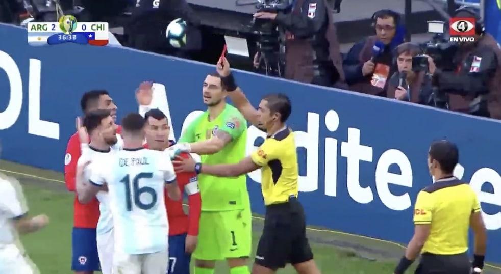 Video: Lionel Messi sai suoran punaisen kortin – vasta toinen ulosajo uralla