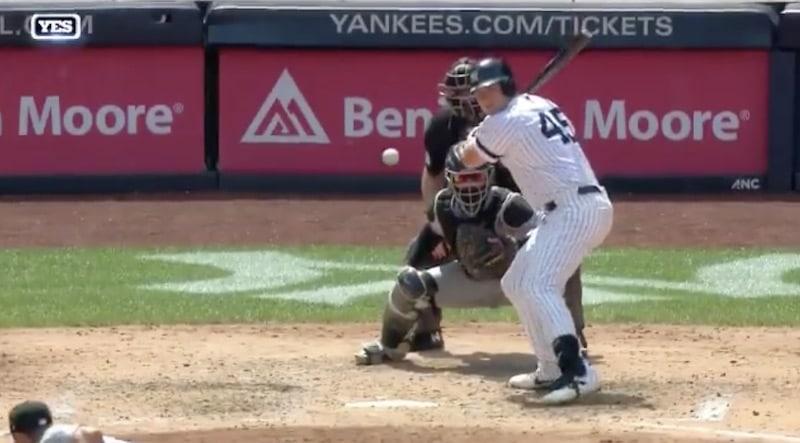 Video: MLB:ssä nähtiin vaarallinen tilanne – pallo osui leukaan yli 140 kilometrin tuntinopeudella