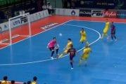 Video: Futsal-Barcelonan Ferrao nöyryytti maalivahtia mahtavalla oivalluksella
