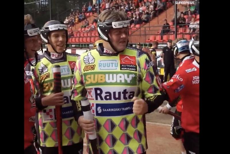 Video: Juha Niemi löi historian nuorimpana tuhat juoksua – joukkuekaveri vitsaili omalla lyöntimäärällään
