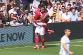 Video: Nottingham Forest sahasi Fulhamin palasiksi - koko joukkue mukana maalin rakentelussa