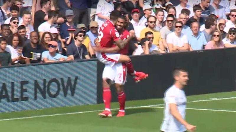Video: Nottingham Forest sahasi Fulhamin palasiksi – koko joukkue mukana maalin rakentelussa