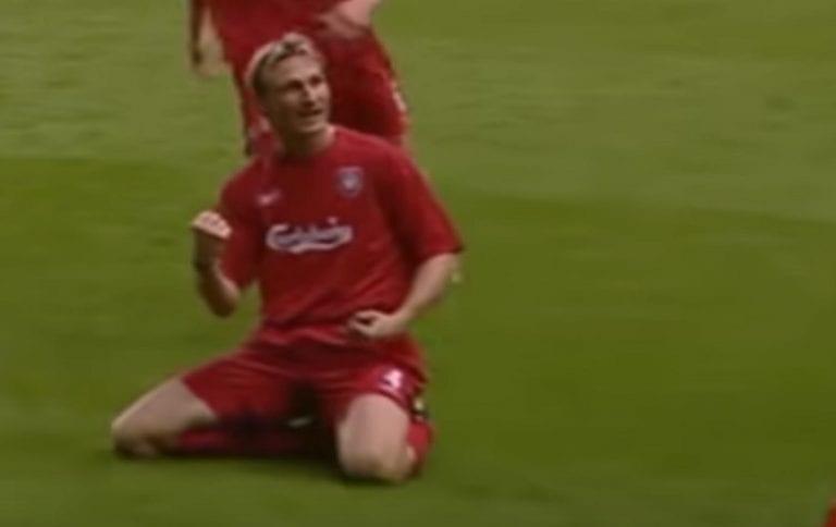 Video: Sami Hyypiä debytoi tasan 20 vuotta sitten – Liverpool juhlisti legendaa fiilistelyvideolla