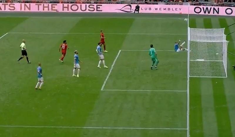 Video: Manchester City voitti Community Shieldin - dramaattinen pelastus vei pelin pilkuille