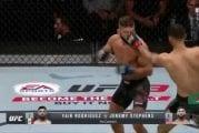 Video: Jeremy Stephens ei saanut silmäänsä auki - UFC-illassa 15 sekunnin pääottelu, yleisö raivostui