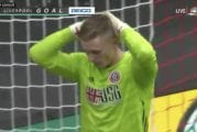 Video: Sheffield-veskari lahjoitti nolosti maalin – Liverpool jatkaa puhtaalla pelillä Valioliigassa