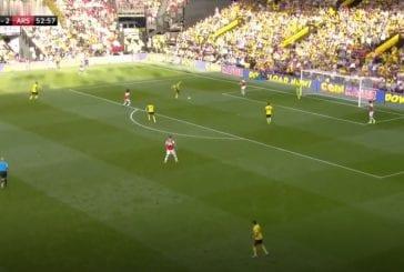 Video: Arsenal hukkasi kahden maalin johdon - järkyttävä lahjamaali käynnisti Watfordin kirin