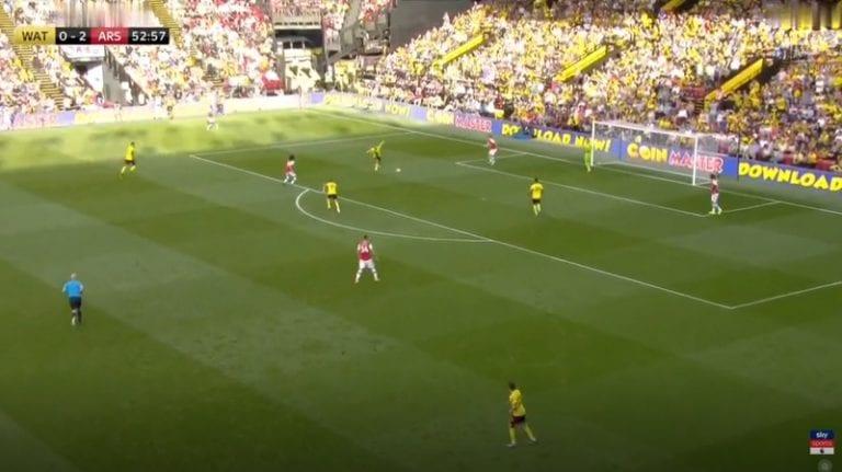 Video: Arsenal hukkasi kahden maalin johdon – järkyttävä lahjamaali käynnisti Watfordin kirin