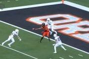 Video: Isaiah Hodgins nappasi touchdown-syötön kiinni yhdellä kädellä