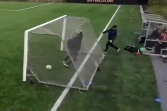 Video: Myrskytuuli yllätti junnumatsissa - irrallinen maali vei Örgryten valmentajan mennessään
