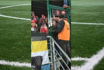 Video: Spartak-fanit suljettiin häkkiin cup-ottelussa - joukossa myös lapsia