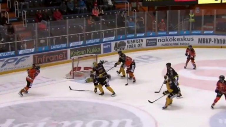 Video: SaiPan Niclas Westerholm nappasi mykistävän mailatorjunnan – maalivalot ehtivät jo vilkkua