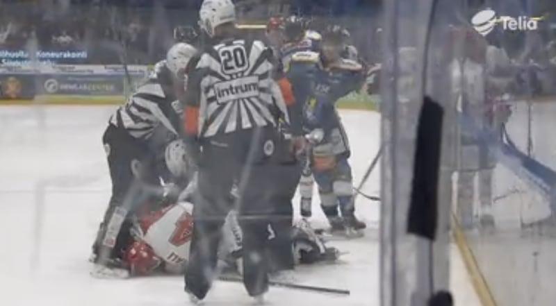 Video: Sportin Aleksi Ainali taklasi tökerösti – tuloksena suihkukomennus