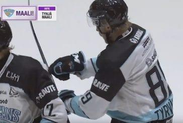 Video: Liigassa erikoinen tilanne – Antti Tyrväinen teki maalin joukkuekaverin mailalla