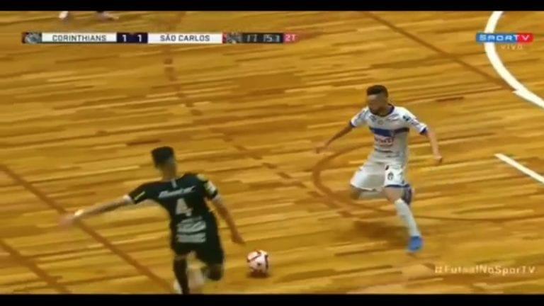 Video: Karmiva tilanne futsal-pelissä – Fernandinho sai potkun päähän ja menetti tajuntansa